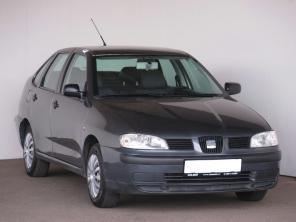 Seat Cordoba 2002 Sedan šedá 6