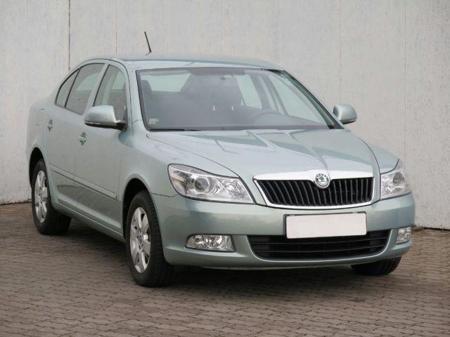 Škoda Octavia  (2012, 2.0 TDI)
