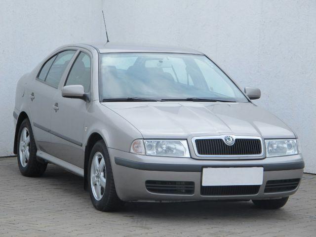 Škoda Octavia  (2009, 1.6 i)
