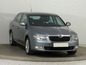 Škoda Superb 2011 Sedan srebrny 6