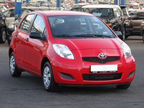 Toyota Yaris 2011 Hatchback czerwony 9