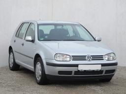 Volkswagen Golf 2002 Hatchback srebrny 2