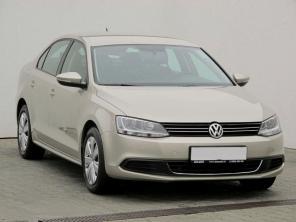 Volkswagen Jetta 2012 Sedan béžová 10