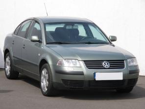 Volkswagen Passat 2001 Sedan zelená 1