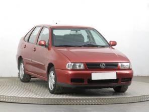 Volkswagen Polo 1997 Sedan červená 2