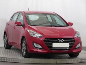 Hyundai i30 2016 Hatchback červená 10