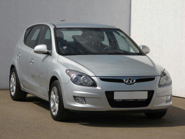 Hyundai i30  (2010, 1.4 CVVT)