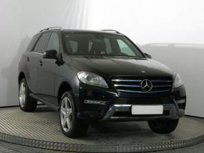 Mercedes-Benz ML 2012 SUV černá 10