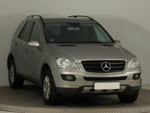 Mercedes-Benz ML 2007 SUV šedá 6