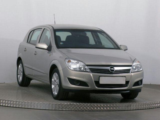 Opel Astra  (2010, 1.4 16V)