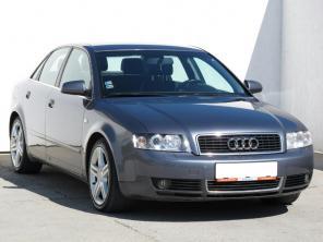 Audi A4 2004 Sedan srebrny 3