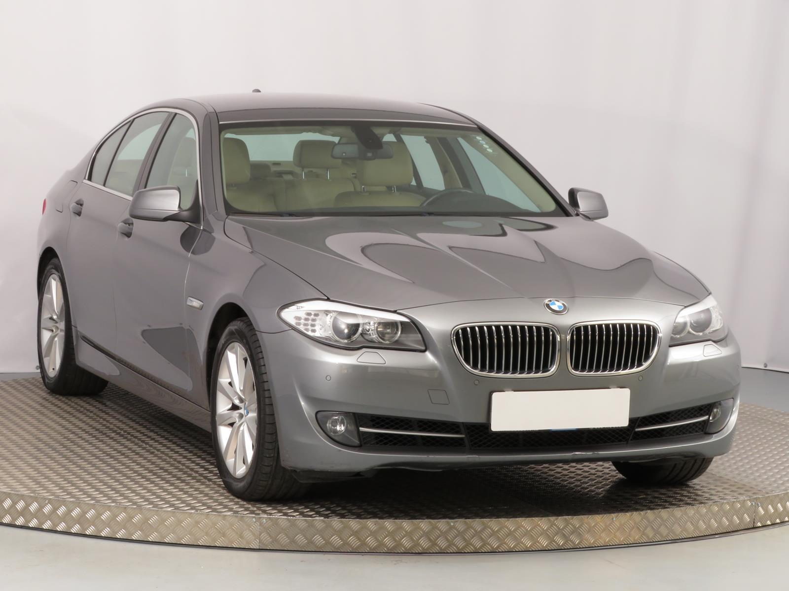 BMW řada 5 528 i