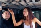 Mladé řidičky vybírají vozy podle barvy a praktičnosti, kluci s čerstvým řidičákem chtějí výkon