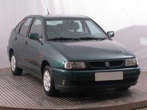 Seat Cordoba 1999 Sedan zelená 8