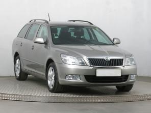 Škoda Octavia 2011 Combi béžová 3