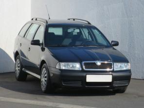 Škoda Octavia 2002 Combi černá 1