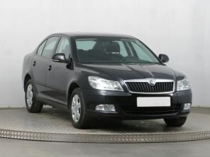 Škoda Octavia 2011 Hatchback čierna 1