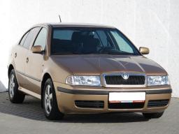 Skoda Octavia 2001 Hatchback gold 2