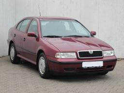 Skoda Octavia 1997 Hatchback red 5