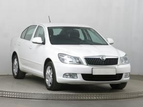 Škoda Octavia 2011 Hatchback bílá 3