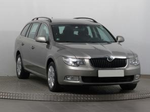 Škoda Superb 2011 Combi béžová 5