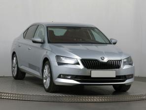 Škoda Superb 2015 Sedan šedá 3