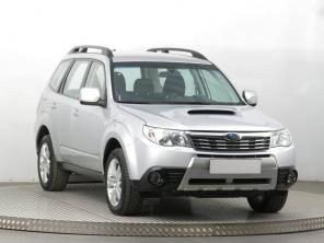 Subaru Forester 2010 SUV stříbrná 3