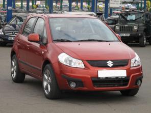 Suzuki SX4 2011 Hatchback červená 5