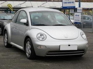 Volkswagen New Beetle 2000 Hatchback srebrny 1