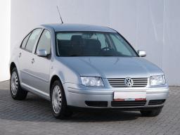 Volkswagen Bora 1999 Sedan srebrny 1