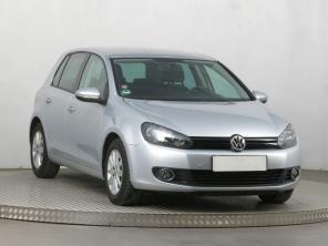 Volkswagen Golf 2009 Hatchback strieborná 1