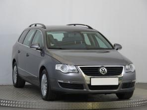 Volkswagen Passat 2010 Combi šedá 1