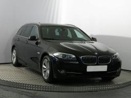 BMW 5 2012 Combi czarny 8