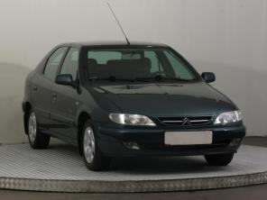 Citroen Xsara 2000 Hatchback stříbrná 1