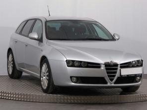 Alfa Romeo 159 2006 Combi strieborná 2