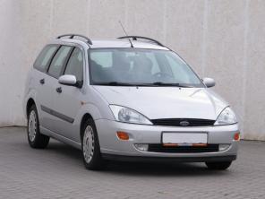 Ford Focus 2000 Combi šedá 10