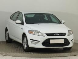 Ford Mondeo 2015 Hatchback white 1