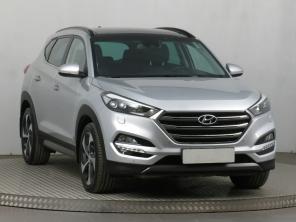 Hyundai Tucson 2016 SUV stříbrná 3