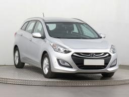 Hyundai i30 2015 Combi strieborná 4