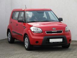 Kia Soul 2009 Hatchback červená 1