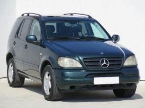 Mercedes-Benz ML 2006 SUV modrá 9