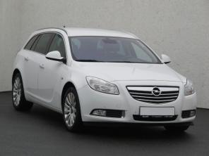Opel Insignia 2010 Combi bílá 4