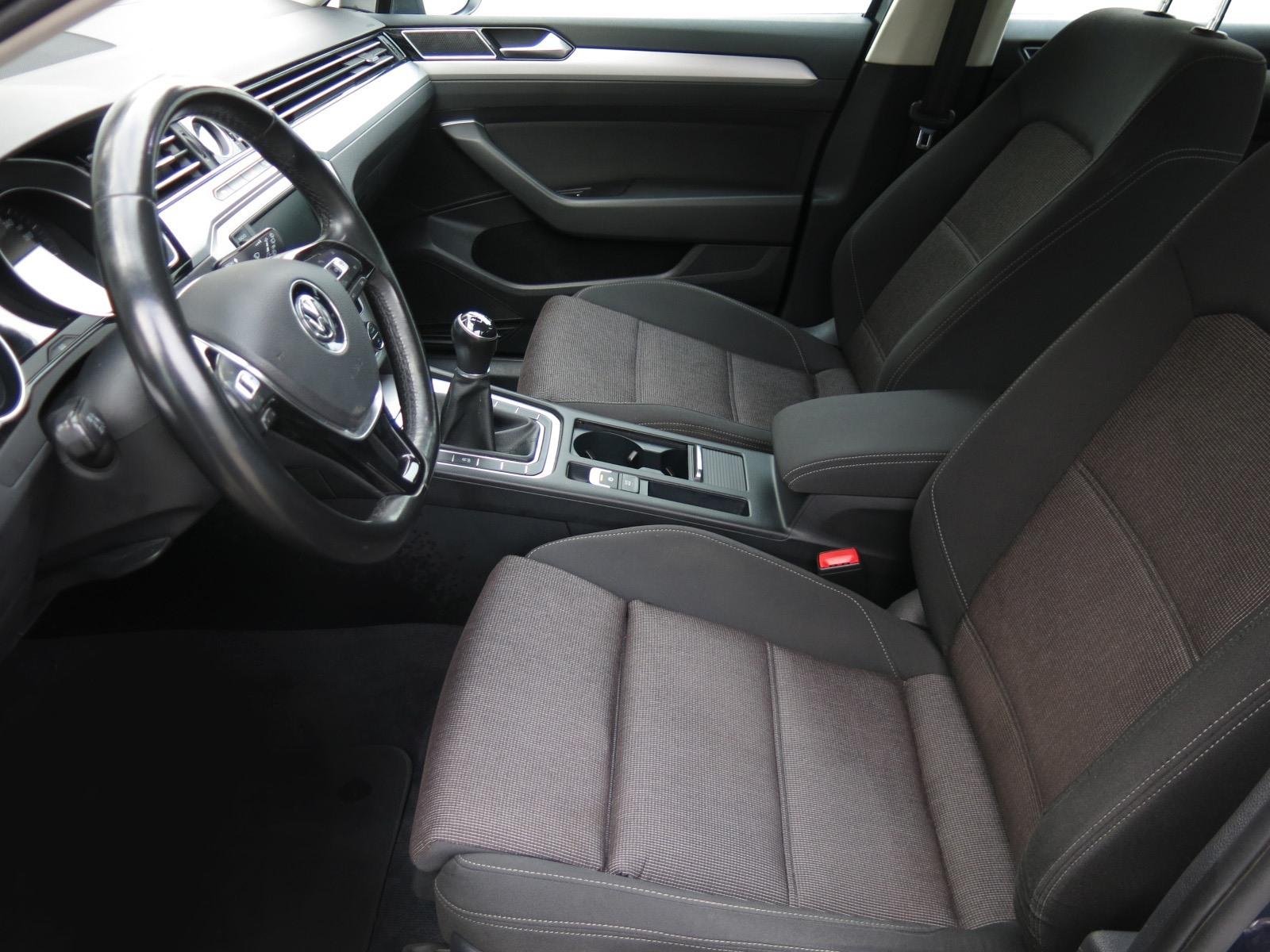 Volkswagen Passat, 2016 - pohled č. 11