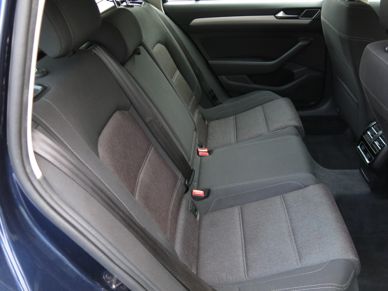 Volkswagen Passat, 2016 - pohled č. 15