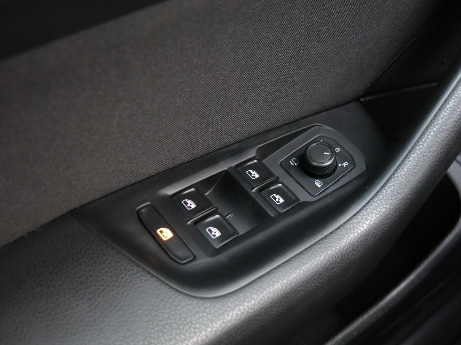 Volkswagen Passat, 2016 - pohled č. 16