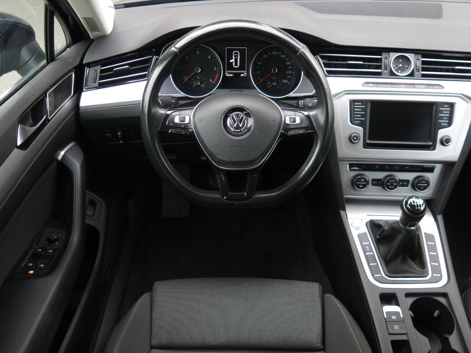 Volkswagen Passat, 2016 - pohled č. 9