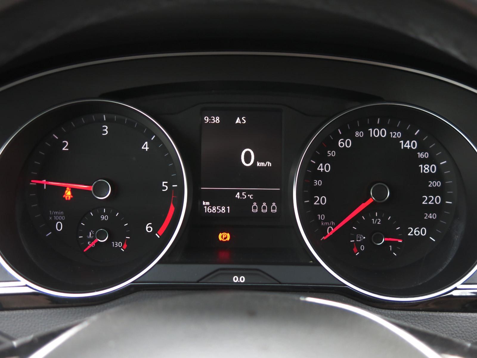 Volkswagen Passat, 2016 - pohled č. 10