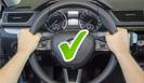 Víte, jak správně držet volant?