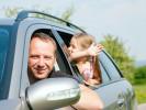 Češi si letos raději kvůli dovolené pořídí automobil, než letenky